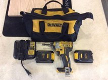 "Dewalt drill 20v 1/4"" impact driver w extras in Vista, California"