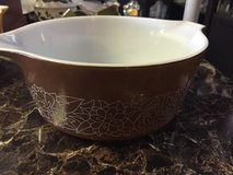 vintage pyrex 2.5  liter woodland woodsy brown mixing bowl  # 475-b in 29 Palms, California