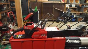 Snapper Chainsaw w/Battery & charger 60 volt in Fort Campbell, Kentucky