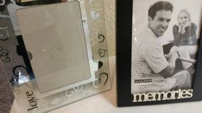 New picture frames in Temecula, California
