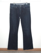 Gap 1969 Perfect Boot Cut Denim Jeans Womens Tag 30/10r Measures 33 x 32 Long in Joliet, Illinois
