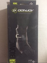 NEW donjoy bionic ankle support brace black medium right new in Houston, Texas