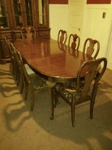 Thomasville Dining Set - Table w/2 Leaves & 8 Upholstered Chairs in Fort Lewis, Washington