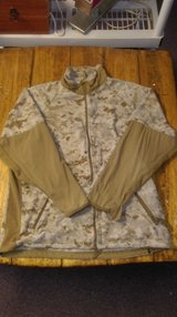 usmc digital desert polartec cwls fleece peckham top zip front medium regular in 29 Palms, California