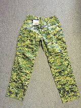 new frog combat ensemble trouser woodland marpat defender m size: large long l/l in 29 Palms, California