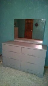 bedroom set 3 pc. in Glendale Heights, Illinois