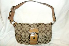 coach women's handcrafted leather handbag shoulder bag in Greenville, North Carolina
