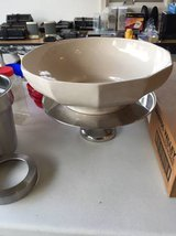 Bon Chef Large Bowl with Stand...Beautiful!  Like New in Yorkville, Illinois