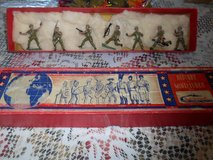 Vintage Miniature Lead Combat Soldiers - Set of 7 in Orig Box! AUTHENTICAST in Houston, Texas