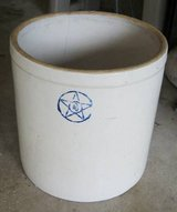VINTAGE 4 Gallon Crock in Naperville, Illinois