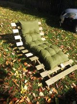 Heavy pallet-style lawn chair in Cleveland, Ohio