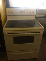 FRIGIDAIRE GLASS TOP ELECTRIC STOVE WITH WARRANTY in Byron, Georgia