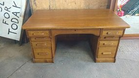 Gorgeous antique oak desk in Fort Leavenworth, Kansas