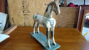 3 antique pull toy horse in Fort Leavenworth, Kansas