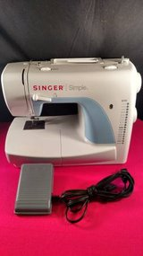 Singer Simple E99670 in Fort Campbell, Kentucky