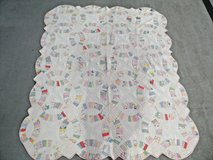 Carolina Antique vintage old fashioned double wedding ring country quilt in Camp Lejeune, North Carolina