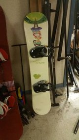 Youth Size MORROW Snow Board with DG 5150 Bindings in DeKalb, Illinois