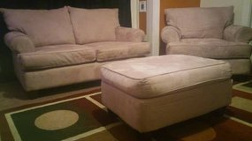 Living Room Set - Love Seat, Chair & Ottoman in Fort Lewis, Washington