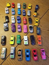 lot of 36 vintage cars in Bartlett, Illinois