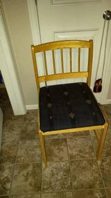 Table with 4 chairs in Fort Carson, Colorado