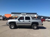 LIFTED! 2004 CHEVY AVALANCHE 4X4 in Alamogordo, New Mexico