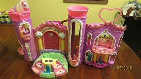 2002 My Little Pony Hasbro Celebration Castle w/4 Ponys Sunsparkle Romperooni Works in Perry, Georgia