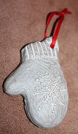 Retired Isabel Bloom Christmas Ornament Mitten Cement Sculpture Signed, 2002 in Joliet, Illinois