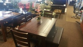DARK BROWN TABLE, BENCH & CHAIRS in Schofield Barracks, Hawaii
