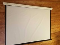 draper luma 4:3 manual wall projection screen 207008 in Batavia, Illinois