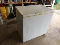 Kenmore chest freezer in Bolingbrook, Illinois