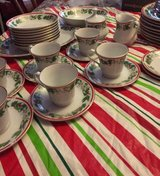 Lynn Christmas Dishes gold trimmed service for 8 in Perry, Georgia