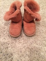 girls uggs size 3 in Naperville, Illinois
