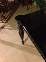 Reduced..Spectacular Gloss Black Dining Table in Naperville, Illinois