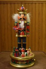 """Nutcracker Bombay Company 24"""" Musical 2005 Soldier with Toys, Presents in Algonquin, Illinois"""