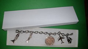 Monet Happy Birthday ~ Change the Date ~ Charm Bracelet in Glendale Heights, Illinois