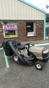 42 inch Riding mower With Bagger in Hinesville, Georgia