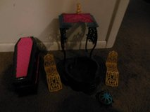 2 Monster High Playsets in Naperville, Illinois