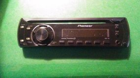 Pioneer cd player/ tuner in Perry, Georgia