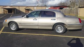 1999 Lincoln Town car Signature Series in Baytown, Texas