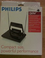 philips sdv2210/17 compact indoor hdtv vhf uhf fm high definition tv antenna in Bartlett, Illinois
