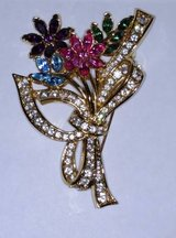 Multicolored Flower Brooch unsigned in Chicago, Illinois