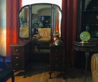 Try-fold mirror, antique, 6 drovers, try fold, try fold. Secretary. in Camp Lejeune, North Carolina