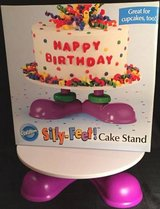 WILTON FUN Silly Feet Footed Cake Cupcake Treat Stand Kids Party Display Pedestal in Batavia, Illinois