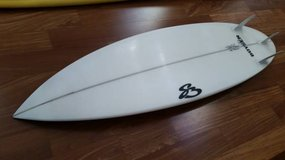 "5'11longX18-3/8wideX2-1/8""thick surfboard short surfboards surf board in Camp Pendleton, California"