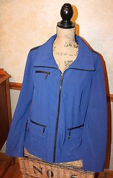 Chico's ZENERGY Blue with Black Zip Front Casual/Sport Jacket, Size 2 (LG) in Glendale Heights, Illinois