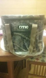 Rtic Camo Soft 30 Cooler in Perry, Georgia