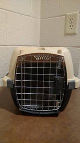 Pet Taxi Portable Kennel in Fort Campbell, Kentucky