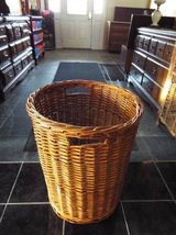 Basket*Wicker*Large*Like New*Heavy Duty in Fort Leonard Wood, Missouri