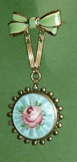 Vintage Sweetheart Locket Hand Painted Cira 1930-40 in Batavia, Illinois