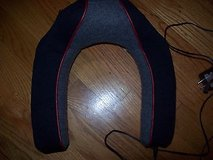 homedics  vibration neck massager w/heat in Glendale Heights, Illinois